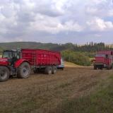 Agro druzstvo Rozstani - odjezd kombajnu po vysipani obili